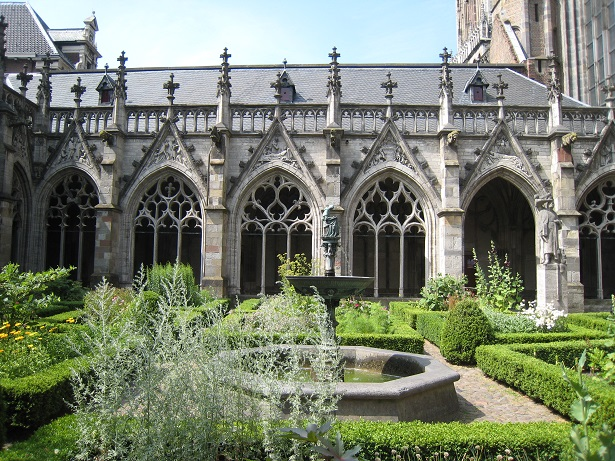 Medieval 'Pandhof' (cloisters) next to the Utrecht Dom Church.